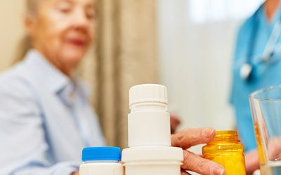 Top 5 Reasons to Buy an Automated Pill Dispenser